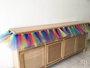 jupe de table arc-en-ciel en tulle