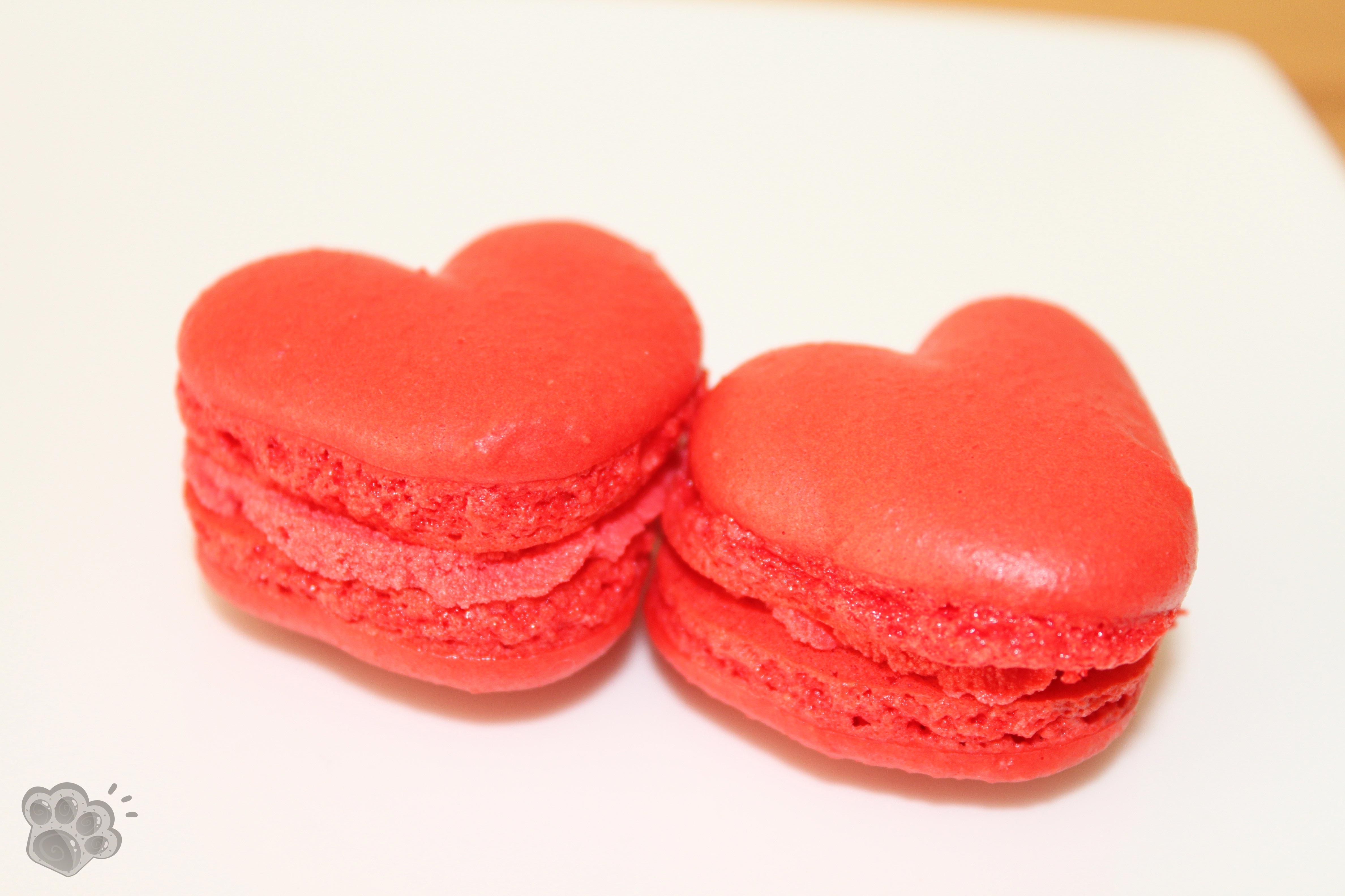 macarons cœur à la pomme d'amour pour la st valentin - la pâte d'amanda