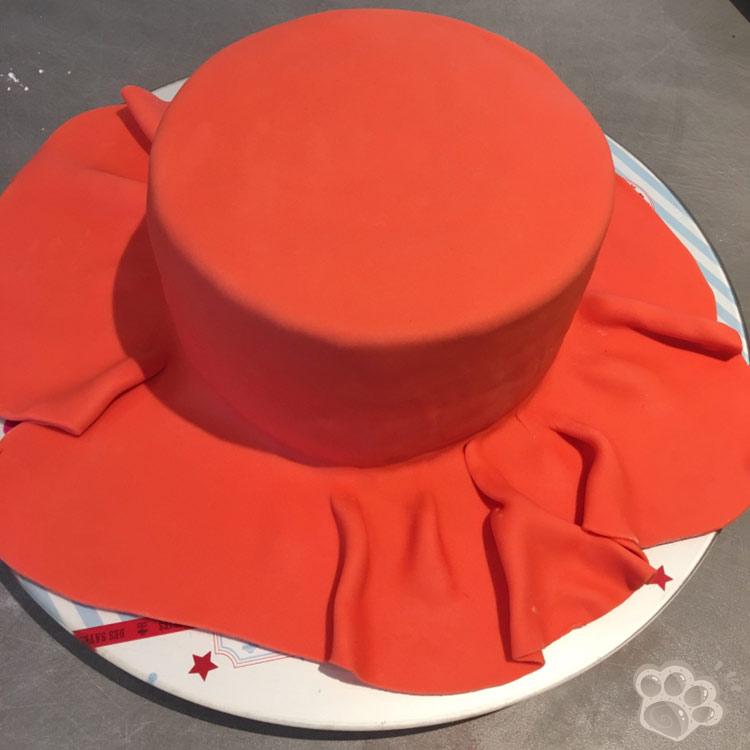 recouvrir un gâteau de pâte à sucre
